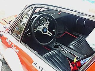 F1000030